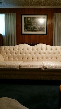 tufted white leather 2-seat sofa Suitland-Silver Hill, 20746