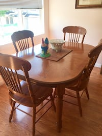 Solid oak dining set with 6 chairs Surrey, V3X