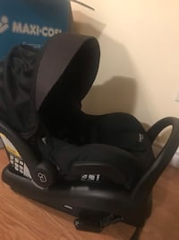 baby's black car seat carrier 552 km