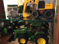 green payloader and yellow and black Caterpillar excavator scale models Leesburg, 20175
