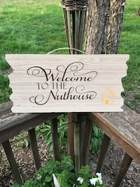 black and brown wooden welcome signage Murfreesboro, 37130