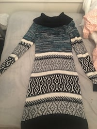 women's black, blue and white knit long sleeve dress