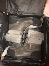 Uggs for men size 9 785 km