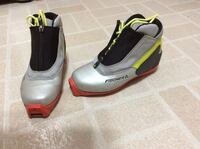 Cross country ski boots Grimsby, L3M 3B7