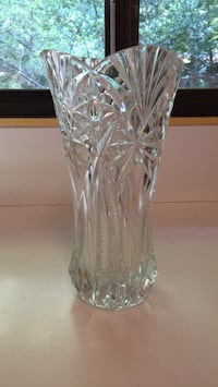 clear cut-glass vase Great Falls, 22066