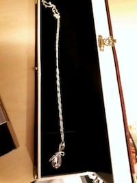 Swarovski crystal necklace in gift box Edmonton, T5S 2B4