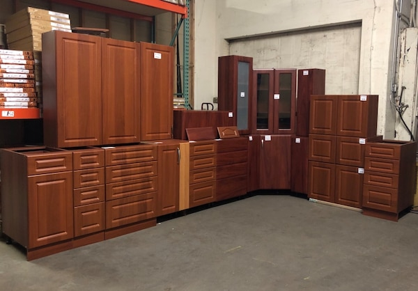 KITCHEN Cabinets in Cherry Finish