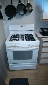 Gas stove free delivery  Clarence