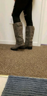 Brown/gray boots. Never worn (other than picture) East Stroudsburg, 18301