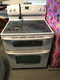 Maytag electric stove with double oven Virginia Beach, 23455