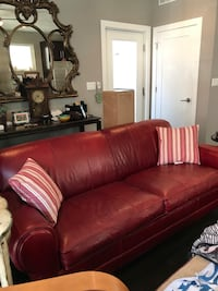 Red leather 2-seat sofa Chicago, 60647