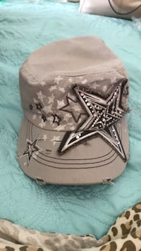 Gray and white star-print hat The Village, 73120