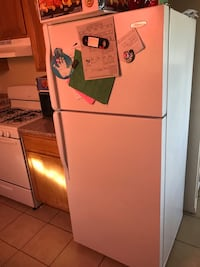 white top-mount refrigerator Palmdale, 93550