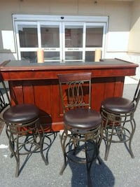 Bar with 3 bar stools  Rockville, 20850