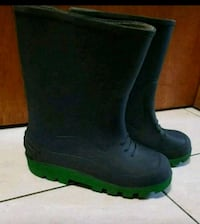 Kids rubber boots. Size 1