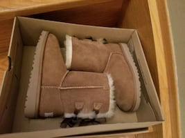 Uggs BAILEY BOW II BOOT girls 1 *brand new