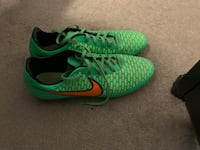 Nike Magista Soccer Cletes
