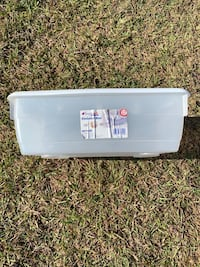 17 quart clear storage latched storage bin with white lid and latches. Wilmington, 28411