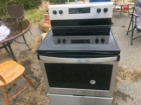 New whirlpool electric stove.