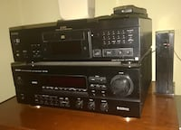 Excellent sound system: Stereo radio & CD player + speakers Newton, 02461