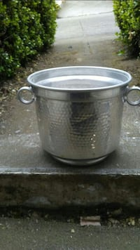 Hand hammered ice bucket Daly City, 94015