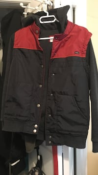 Size small but fits like a medium (spring jacket) Orangeville, L9W 1B7