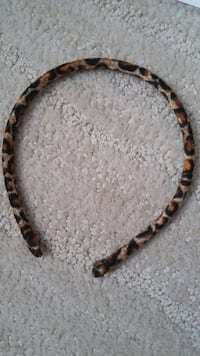 Leopard print head band London, N6G 1N1