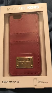 MK IPhone 6 case w/ card slots Decatur, 30033