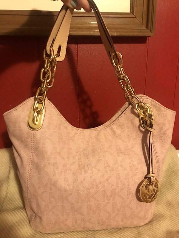 e21912570a402e Used Authentic Michael Kors Purse for sale in Calgary - letgo