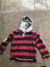 Size 5/6 boys sweatshirt Ashburn, 20147