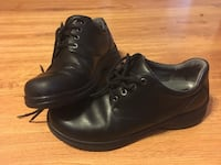 pair of black leather shoes Middletown, 06457