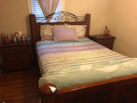 Queen size bed w/ 2 nightstands West York, 17404