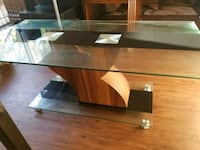 Glass coffee table  Buena Park, 90620
