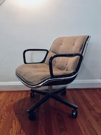 Mid-Century Modern Charles Pollock Executive Office Chair for Knoll