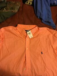 two orange and brown button-up shirts Herndon, 20171
