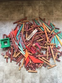 Lincoln logs lot. Wood and some plastic pieces.  Bremerton, 98312