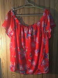 Red Off the shoulder top 1956 km