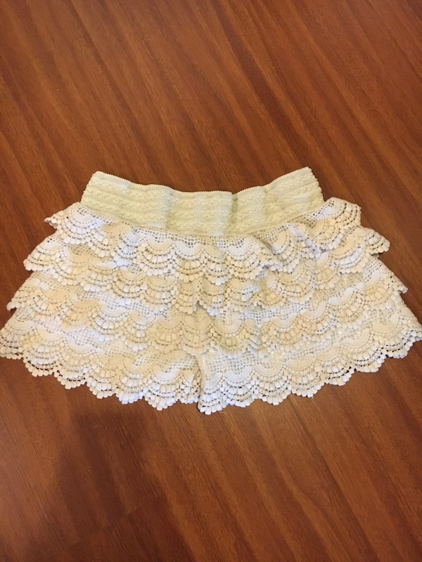 Lacy skort size S/M