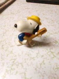 1966 Snoopy playing guitar figure