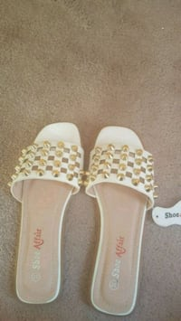 pair of white-and-yellow slide sandals Surrey, V4P 1P5