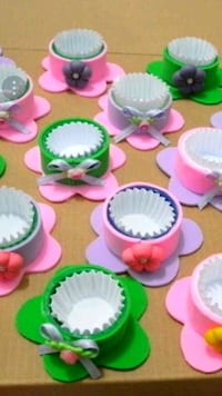 Cup cake holder