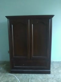 brown wooden cabinet with drawer Youngstown, 32466