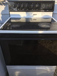 Maytag Glass Top Electric Stove Des Moines, 50317