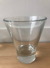 6 Glass drinking cups Vancouver, V5R 5G9