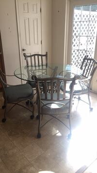 round glass top table with four chairs dining set Silver Spring, 20910