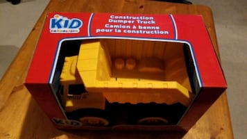 Construction dumper truck toy