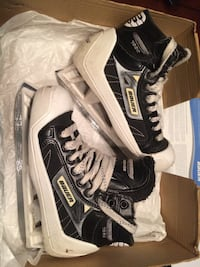 BAUER SUPREME 7000 GOALIE SKATES JUNIOR SIZE 4 D EXCELLENT CONDITION Stoney Creek, L8G 5C5