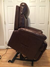 Brand new brown lift and reclining chair  442 mi