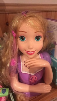 Girls princess Rapunzel hairstyling toy. Barely played with still in excellent condition Brampton, L6W
