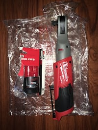 """Milwaukee M12 Fuel Brushless 1/2"""" Ratchet (2558-20) with a 1.5 Ah Battery New York, 10453"""